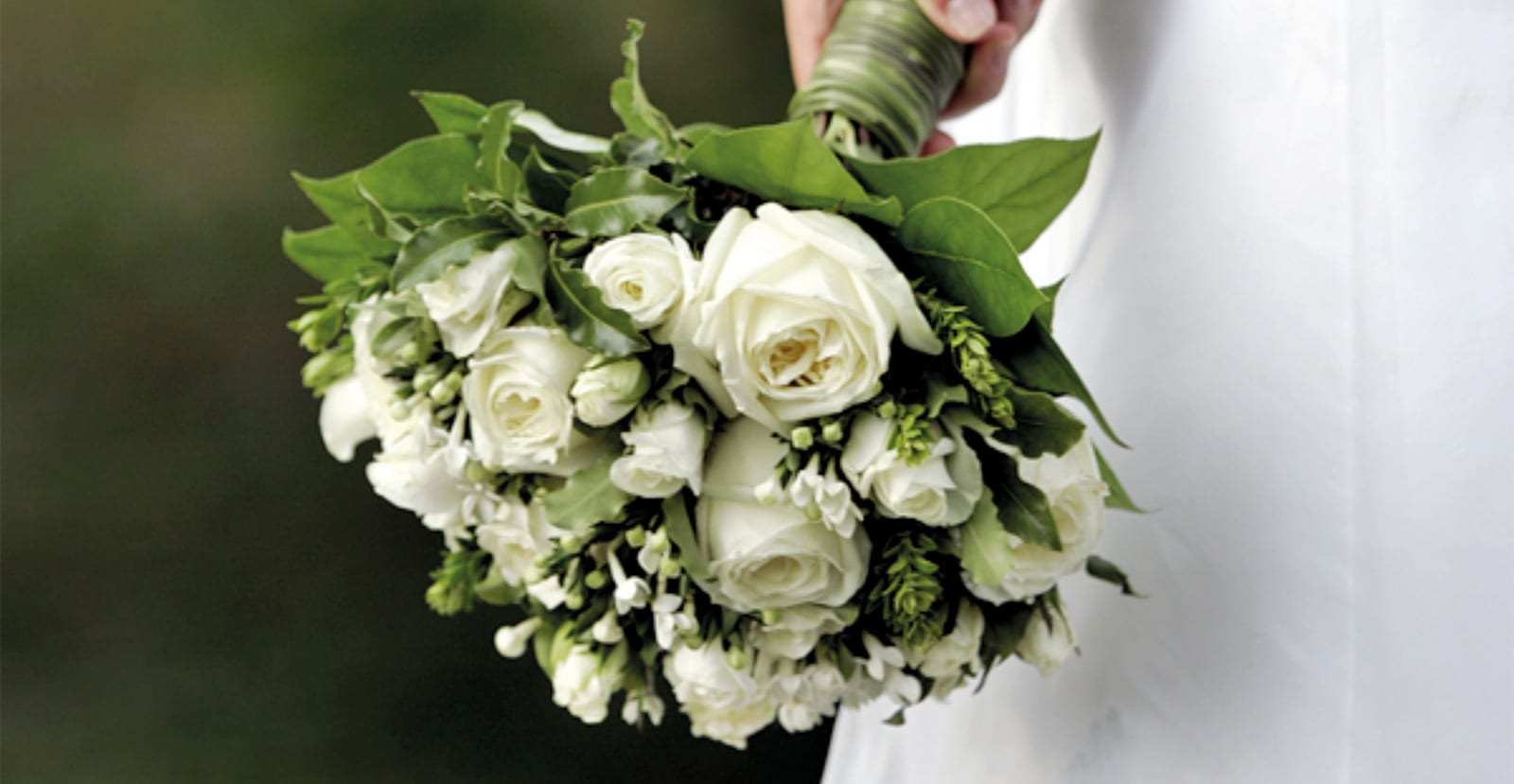 Boka ert sagobröllop på Södertuna Slott utanför Gnesta
