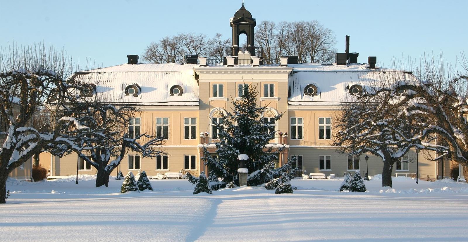 Södertuna Slott i vinterskrud