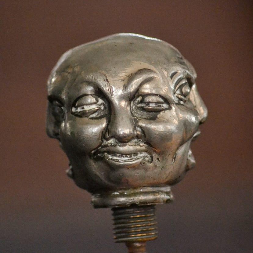 Glatt ansikte på käpp med korkskruv